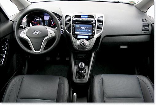 Motormobiles fahrbericht hyundai ix20 blue in der for Innenraumdesign studium