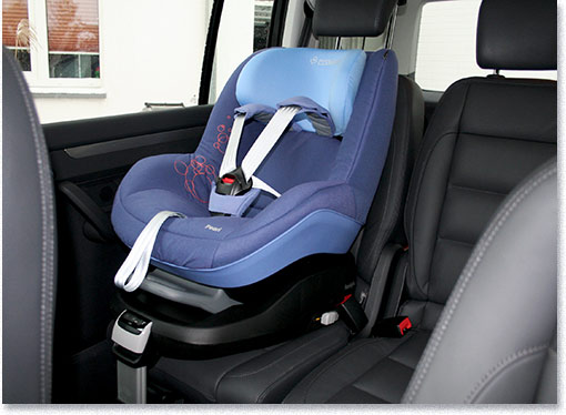 testmagazine maxi cosi kindersitz pearl mit familyfix isofix im test. Black Bedroom Furniture Sets. Home Design Ideas
